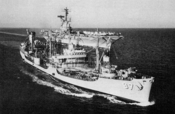 USS_Allagash_(AO-97)_and_USS_Shangri-La_(CVA-38)_in_1962